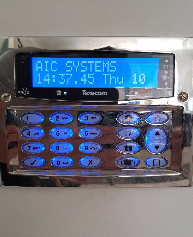 Intruder alarm installation and maintenance in Reading, Berkshire, UK for domestic home or business premises